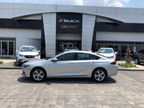 Pre-Owned 2018 Buick Regal Base